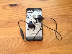 iPhone SE 64GB mit Soundbuds